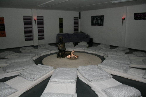 -World on Ayahuasca-ceremonial room new
